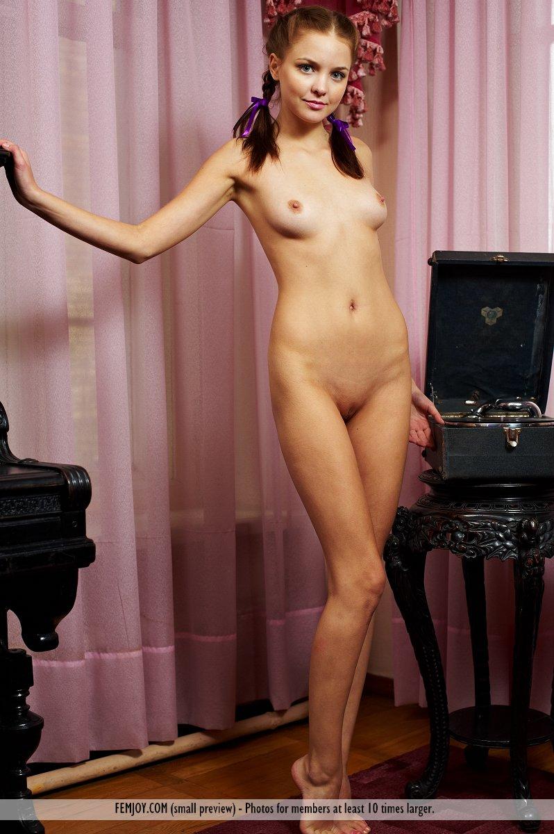 pisya.wap.ua naked 4