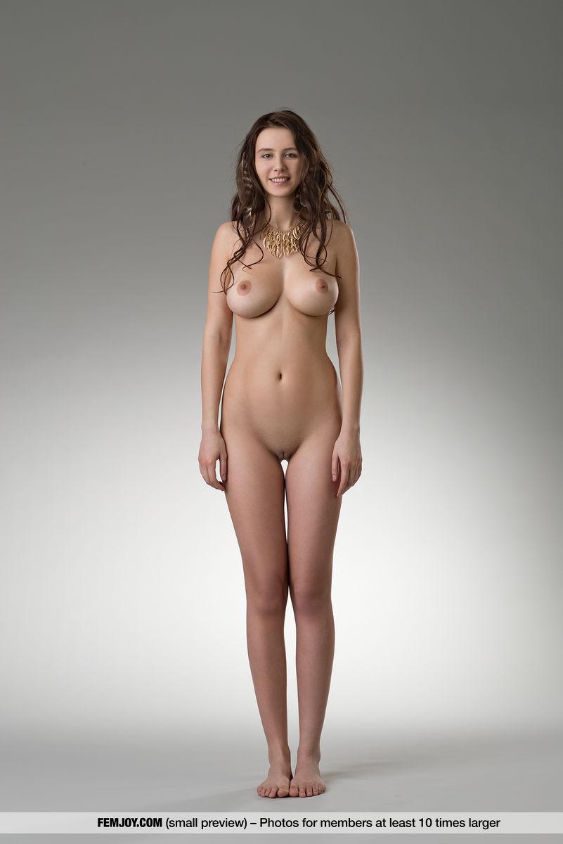 потом сделаю видео в студии моделей голые как уже