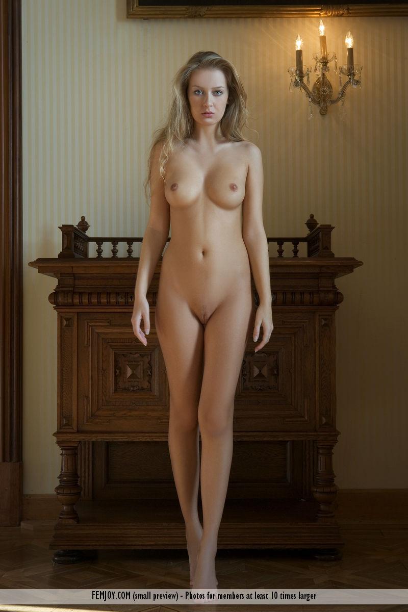 Kinga Nude