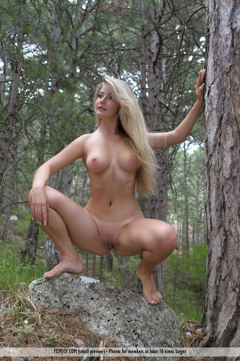 naked girls in wood