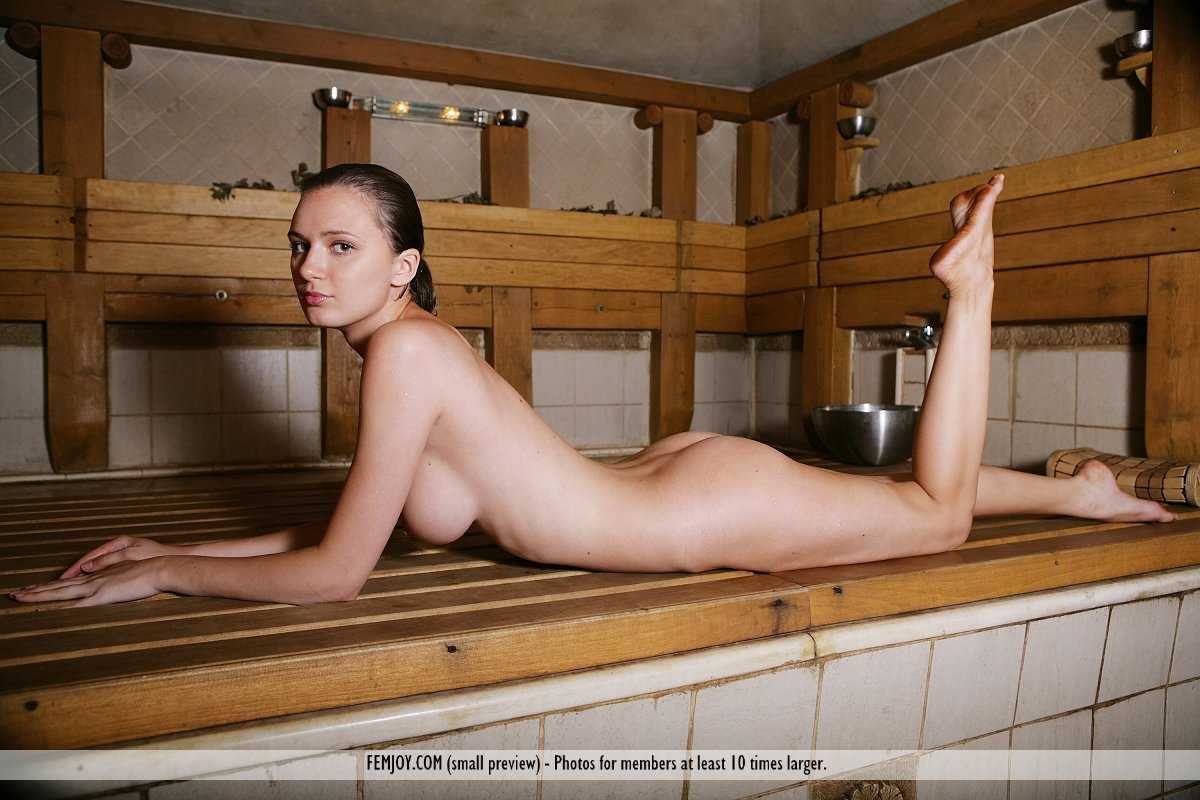 Свежее русские девки в бане на чердаке порно актрисы