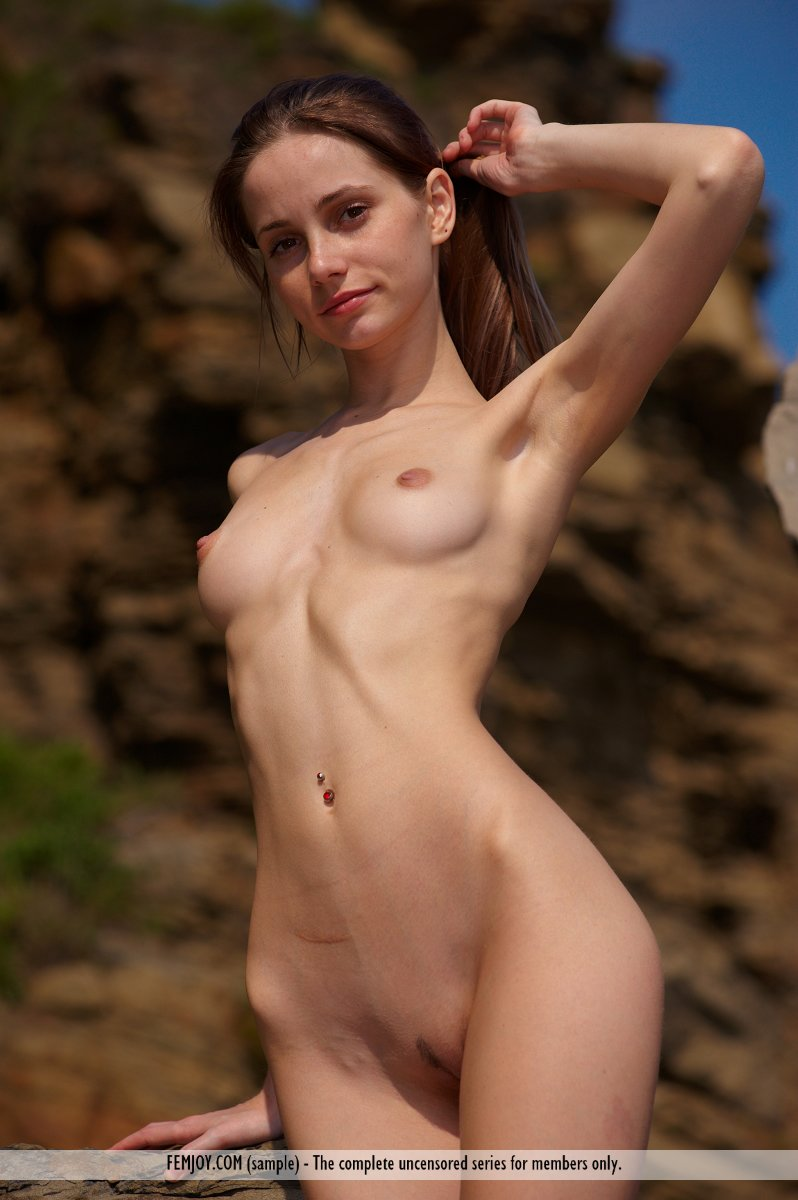 femjoy-skinny-chicks-maribelguuardia-fucking