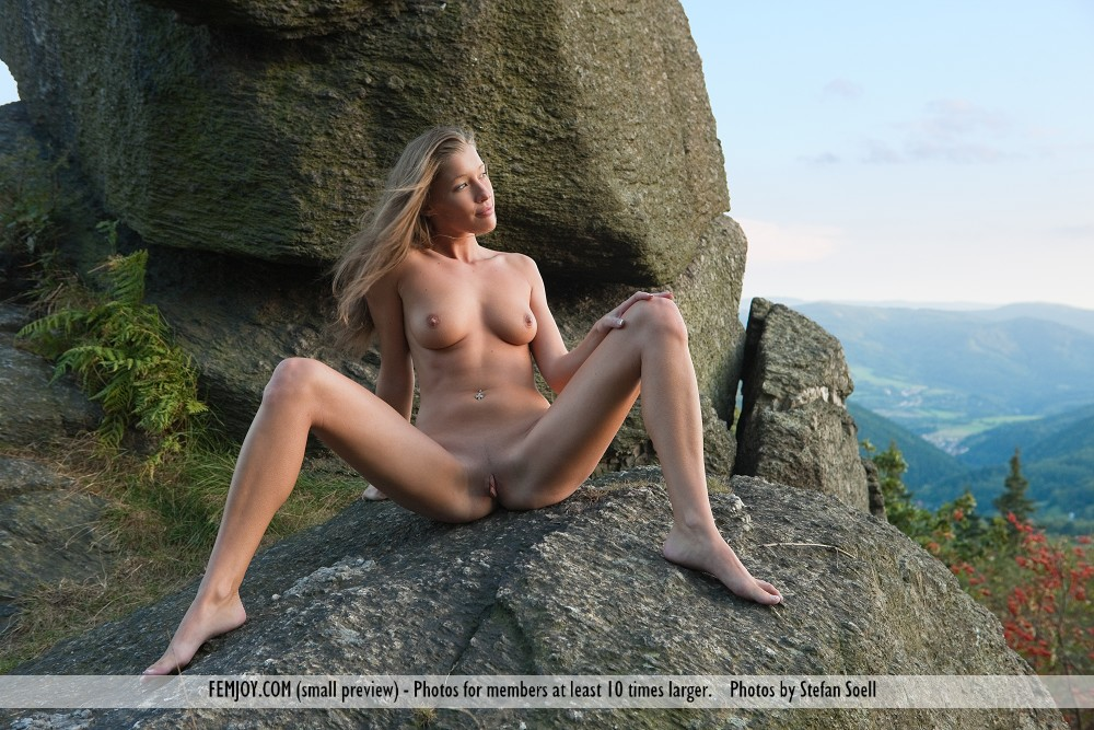 Amateur girls nude
